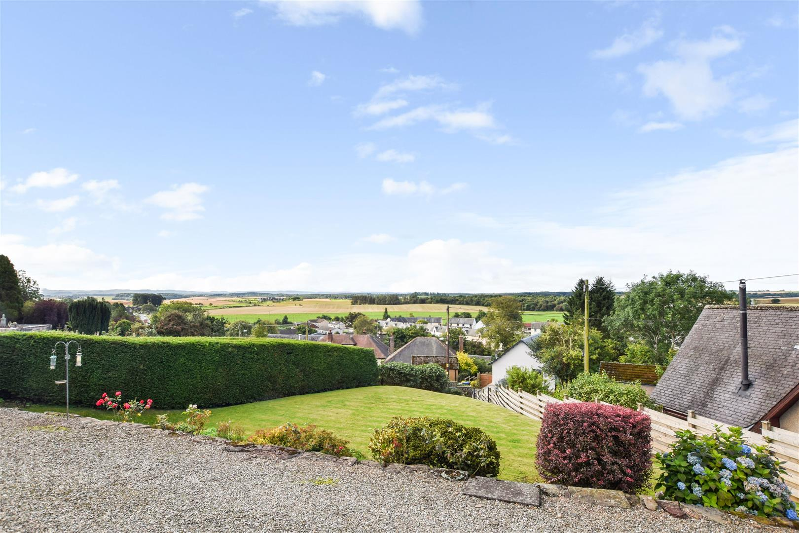 Lorneville, Highfield Place, Bankfoot, Perthshire, PH1 4AX, UK